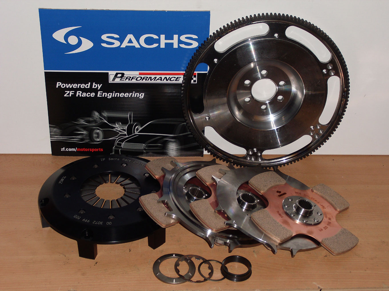 clutch kit reinforced tripple-disc race clutch flywheel VW Golf R32 mk4  Turbo 3 2 V6 VR6 24V BML BFH Audi TT 3 2 8N 1300NM+ Sachs Race RCS200